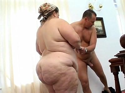 Enormous fat slut fucking hard