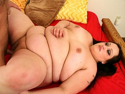 Bbw Esmerald with pierced boob