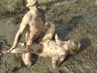Blonde plumper fucking in mud