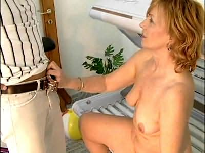 Fat blonde whore training sex