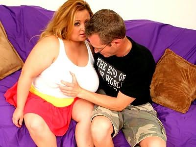 Fat Vivian rocks plumper belly
